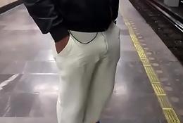 Underground railway bulge increased by ass, (bulgesen).