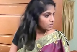 Hibernating Indian Aunty Amour with Thief ( 270p )
