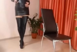 Sexy MILF shows what that babe got