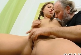 Meticulous youthful hottie licks age-old dick