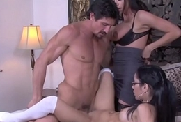Glamcore stepdaughter rides load of shit in threeway